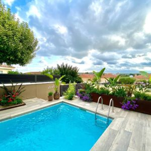 Construccion de jardines con piscina en la provincia Tarragona