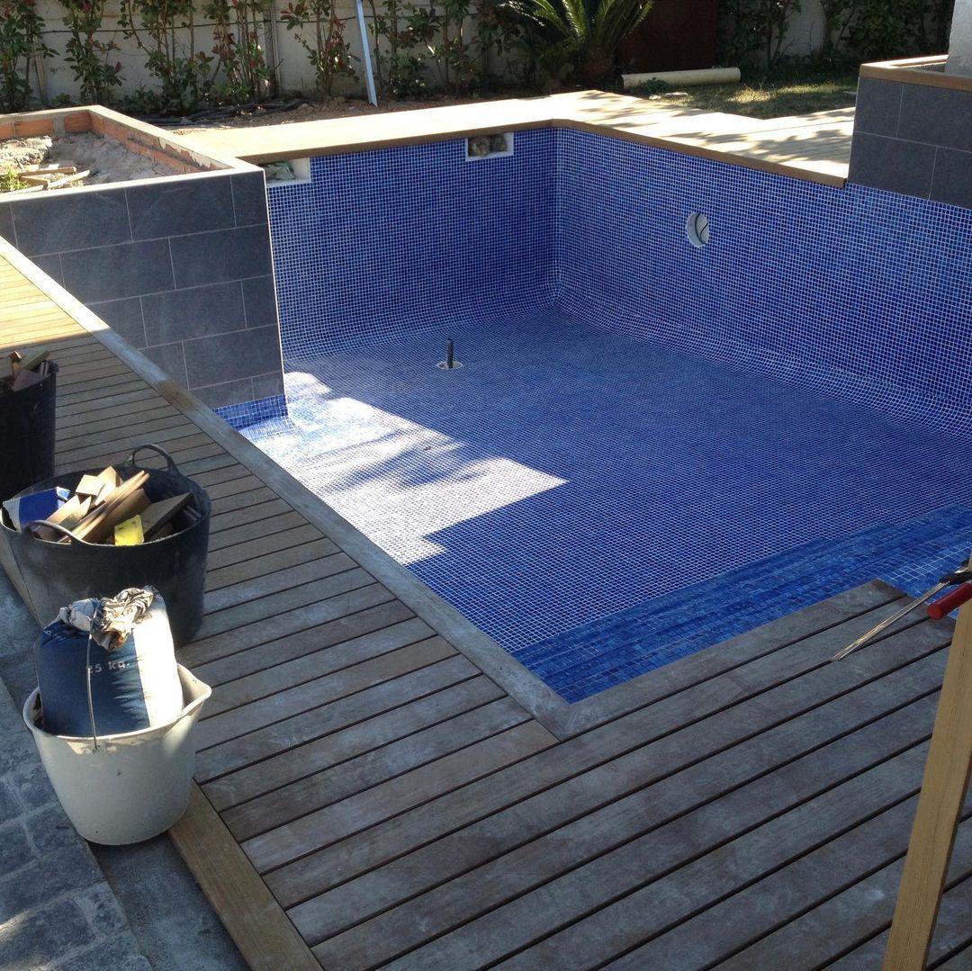 jardín y  piscina tropical 1