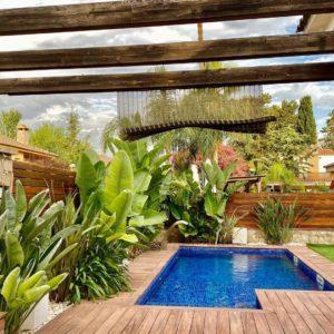 mantenimiento de jardín y piscina particular 2 en Calafell
