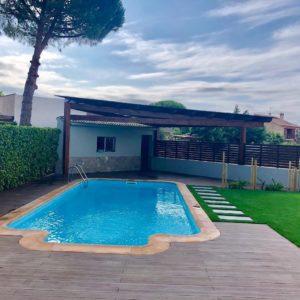 Construcción de jardín minimalista con piscina en Tarragona
